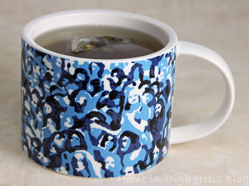 Review Sunday Morning Kate Spade Mug Blue People 01