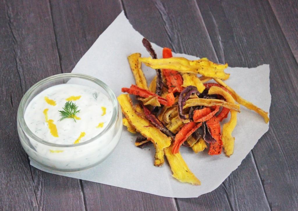 Easy Creamy Dill Greek Yogurt Dip Healthy  Recipe on Home in High Heels   www.homeinhighheels.com