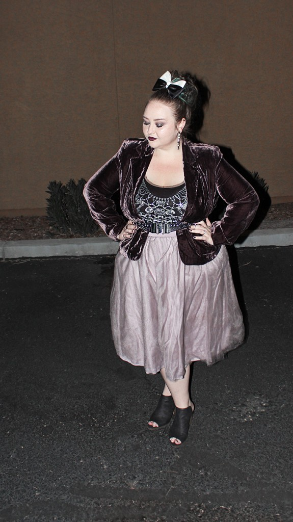 Thrifted Muted Plum OOTD with Tulle Skirt + Velvet Blazer! How I wear a blazer with a full, tulle skirt as a curvy outfit + taking care of thrifted clothes on Home in High Heels